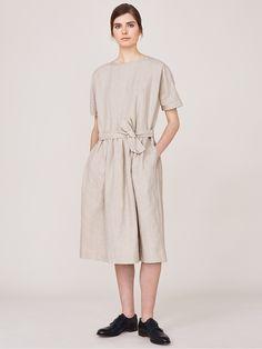 toast-natural-gathered-waist-dress-beige-product-0-671130635-normal.jpeg (1125×1500)