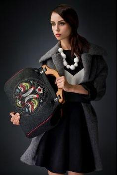 Moda Folk :: Torebki :: Torebki Goshico :: Kolekcja New Folk Goshico :: Filcowa torebka z haftem Kufer czerń New Folk