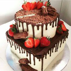 """Páči sa mi to: 3,348, komentáre: 21 – #No.1 Nigerian Cake Blog 🌐🌟🍰 (@cakebakeoffng) na Instagrame: """"Yummy GOODNESS 😍🍰🍓🍫❤️❤️❤️👌Tag the Baker!! #Cakebakeoffng #CboCakes #InstaLove #LikeforLike…"""""""