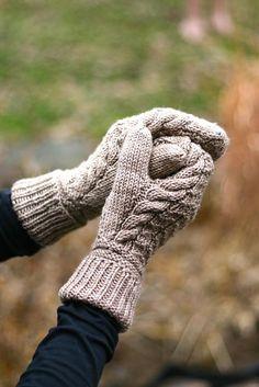 Knitting Patterns Gloves Ravelry: Zart Mittens pattern by Julie Hart Knitted Mittens Pattern, Knit Mittens, Knitted Gloves, Knitting Patterns, Fingerless Mittens, Hat Patterns, Loom Knitting, Free Knitting, Stitch Patterns