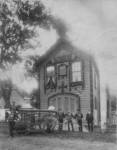 Honolulu Engine Company No. 1 (date of photo unkown)....photo by: Williams, J. ., 1853-1926.