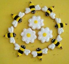 Bees & Daisies