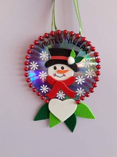 cd crafts for kids Christmas Activities, Christmas Crafts For Kids, Christmas Art, Christmas Projects, Holiday Crafts, Origami Christmas, Cheap Christmas Ornaments, Felt Christmas Decorations, Christmas Themes