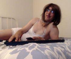Editing Crossdresser Cams -Online Crossdresser Communities — Helping You Be Yourself – Medium Free Chat, Tgirls, Crossdressers, Medium, Pictures, Photos, Grimm, Medium Long Hairstyles