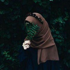 23 best art animasi hijab - my ely Anime Muslim, Muslim Hijab, Hijab Niqab, Hijab Chic, Casual Hijab Outfit, Hijab Dress, Hijabi Girl, Girl Hijab, Muslim Girls