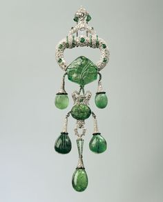 The fine arts museum has a wide range of jewelry in its collection. This Cartier brooch, owned by heiress Marjorie Merriweather Post, was included in the 2009 exhibit Cartier and America at the musuem's Legion of Honor building.   - Veranda.com