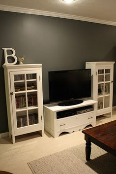 love this look!!!! Idea for tv wall
