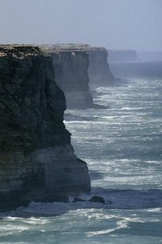 - Southern Ocean (SO). The Bunda Cliffs drop over 200 feet into the Southern Ocean - Southern Australia. South Australia, Western Australia, Australia Travel, Australia Cake, Great Barrier Reef, Queensland Australien, Places To Travel, Places To See, Places Around The World