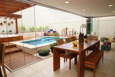 Área de lazer com piscina: 85 ideias para você se inspirar e criar a sua Small Backyard Pools, Backyard Pool Designs, Small Pools, Terrasse Design, My Pool, Belle Villa, Design Case, Pool Houses, My Dream Home