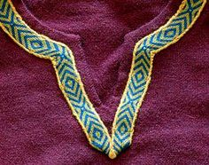 I really like how the band is placed on the fold. I should remeber this for my new blanket! ~ DT  Tablet weave at neckline