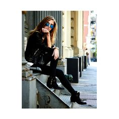 New fashion photography poses portraits legs ideas Poses Pour Photoshoot, Style Photoshoot, Photoshoot Inspiration, The Blonde Salad, Urban Photography, Street Photography, Portrait Photography, Fashion Photography, Photography Training