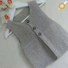 Ravelry: safran's little frog – Baby knitting patterns Baby Knitting Patterns, Knitting For Kids, Knitting Designs, Baby Patterns, Free Knitting, Knitting Tutorials, Crochet Patterns, Baby Pullover, Baby Cardigan