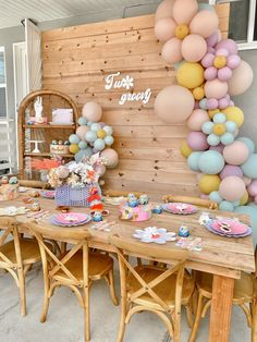 Adele Birthday, Hippie Birthday Party, 2nd Birthday Party For Girl, Hippie Party, 25th Birthday, Birthday Party Themes, Birthday Ideas, Daisy Party, Rainbow Party Decorations