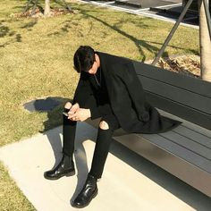Why do you have so few hearts of appreciation Korean idol poses xxx Korean Fashion Men, Ulzzang Fashion, Boy Fashion, Mens Fashion, Fashion Hair, Fashion Tips, Korean Boys Ulzzang, Ulzzang Boy, Cute Korean