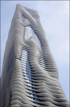 Bird-friendly: The Studio Gang's Aqua Tower in Chicago was designed with birds in mind. Strategies include fritted glass and balcony balustrades. Photo: Tim Bloomquist