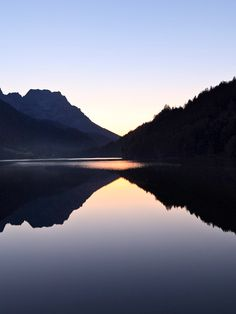 Hintersteiner See in Tirol » Bergsee am Wilden Kaiser in Österreich Seen In Tirol, Wilder Kaiser, Berg, Austria, Outdoor, Nature Reserve, Mountain Range, Tours, Alps