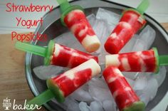 Oh boy!It was 90 degrees here in West Virginia the other day! Whew! Is your heat turned on?I'm 99.9% sure that calls for some homemade popsicles.Head on over to Uncommon Designs for the scoop on these. Trust me, you'll want to make them.Str...