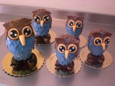 Chocolate Easter eggs. Owls family Made by Cake Designer Paolo Gariboldi,Picture Made by Paolo Gariboldi. Milano Italy.