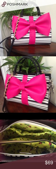 🌺🎀NWT Betsey Johnson Pink Bow Shoulder Bag🌺🎀 🌺🎀This beautiful NWT Betsey Johnson Pink Bow Shoulder Bag is the perfect size and style this bag has ample space to carry all your necessities 🎀 Betsey Johnson Bags Shoulder Bags
