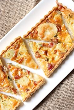 Parma ham and leek pie . Ham And Leek Pie, Pie And Tart Pans, Pizza Cake, Tacos, Frittata Recipes, Savory Tart, Sweet Pie, Fall Recipes, Cooking Recipes