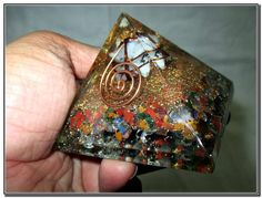 Mix Gemstone Yellow Jade Merkaba Chakra Orgone Pyramid Crystal Gemstones Copper Metal Mix Rare Healing Positive Energy Tetrahedron Sacred Geometry Memory Concentration Meditation Spiritual Psychic Piezo Electric Effect Business Prosperity Success Destress