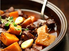 Pot Roast, Stew, Slow Cooker, Berries, Pork, Meat, Cooking, Ethnic Recipes, Hygge