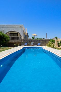A cozy, traditional villa with a private pool, right next to the sandy beach of Platanias! #crete #greece #chania #summer #vacations #holiday #travel #sea #sun #sand #nature #landscape #island #TheHotelgr #nature #view  #holidays #travelling #instatravel #pool #pinterest #villa #urlaub #ferien #reisen #meerblick #aussicht #sommer #thehotelgr