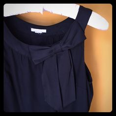 LBD -- Perfect for spring/summer🌷 Re-poshing this LBD... Like most of us, I have a lot of them and this cutie has been worn only once. The tags were cut off prior to me buying it but this would easily fit a size 4/6. (It may be tight for a curvy/busty size 6.) It is approx 34 inches long. It is in perfect condition. 100% poly. H&M Dresses