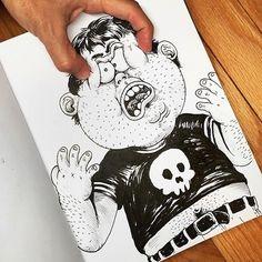 Alex Solís pelea con sus ilustraciones