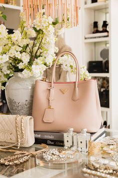 Rachel Parcell of Pink Peonies takes her walk-in closet to the next level. Le Closet, Closet Office, Master Closet, Closet Bedroom, Pink Closet, White Closet, Pink Prada Bag, Pink Bags, Luxury Closet
