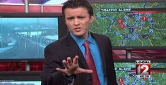"""An Ohio News Anchor Performed A Cover Of """"Let It Go"""" From Frozen And It's Totally Epic (frozen videos let it go) Funny Me, Hilarious, Dry Sense Of Humor, I Dont Have Friends, Vibe Video, Time News, Disney Images, I Saw The Light"""