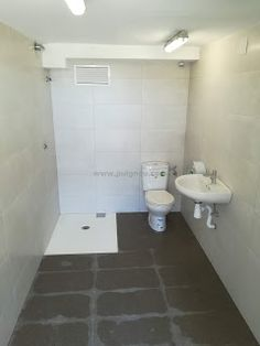 Fusteria ebenisteria Puignou: FUSTERIA PUIGNOU.- Cabinas sanitarias. Toilet, Bathroom, Cabins, Puertas, Washroom, Bath Room, Litter Box, Bathrooms, Toilets