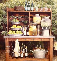 Summer entertaining drink bar patio bar, diy patio, backyard patio, patio i Mini Bars, Patio Bar, Backyard Bar, Wedding Backyard, Garden Wedding, Buffet Hutch, Food Buffet, Buffet En Plein Air, Outdoor Buffet