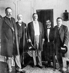 Theodore Roosevelt with envoys from Russia and Japan, 1905