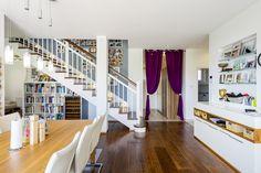 Familie Auer-Germann hat sich mit WimbergerHaus in Ebergassing ihr Traumhaus verwirklicht. Stairs, Home Decor, House, Stairway, Decoration Home, Room Decor, Staircases, Home Interior Design, Ladders