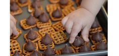Chocolate Pretzel Buttons Tutorial - Sweet Treat Gift Idea! A Toddler Friendly project.