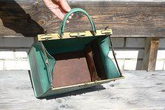 Light green doctor bag for girl