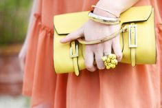 yellow pochette blogger outfit