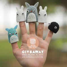 DESA BONEKA: Totoro finger puppet giveaway