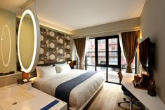 Featuring free WiFi and a restaurant, NobleDEN Hotel offers accommodation in New York, 12 metres from Ferrara Bakery and Cafe in Little Italy. Cheap Hotel Websites, Cheap Hotels, Little Italy, Comfy Bed, Hotel Reservations, Rooftop Terrace, Well Thought Out, Hotel Offers, New York City