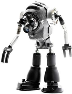 Mechanische Skulpturen aus ausrangierten Gadgets.