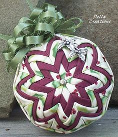 2.5-inch Quilted Ornament w/Charm - Pale Green Holly