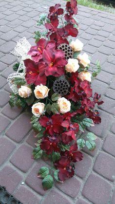 Wiozanki Funeral Flower Arrangements, Funeral Flowers, Vence, Ikebana, Christmas Diy, Floral Wreath, Wreaths, Home Decor, Wedding