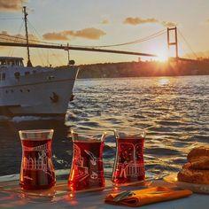 "Turkish tea, bagels and ferry (Istanbul).Paşabahçe Workshop ""Meet me in… Istanbul Travel, Hagia Sophia, Turkish Coffee, Turkey Travel, Yesterday And Today, Istanbul Turkey, Golden Gate Bridge, Tea Time, Tea Cups"