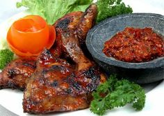 Resep Ayam Bakar Lumajang - http://resep4.blogspot.com/2013/11/resep-ayam-bakar-lumajang-enak.html  #resep_masakan #ayam bakar #lumajang Resep Masakan