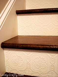 Best Decor Hacks : Description Textured Wallpaper on stair risers. A great way to add texture and design to a small space! Wallpaper Stairs, Look Wallpaper, Textured Wallpaper, Paintable Wallpaper, Embossed Wallpaper, Wallpaper Ideas, Backsplash Wallpaper, White Wallpaper, Unique Wallpaper