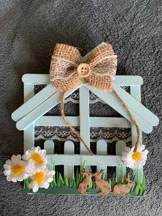 Lolly Stick Craft, Popsicle Stick Crafts House, Craft Stick Crafts, Fun Crafts, Popsicle Sticks, Diy Crafts For Girls, Diy Crafts Hacks, Decor Crafts, Spring Crafts