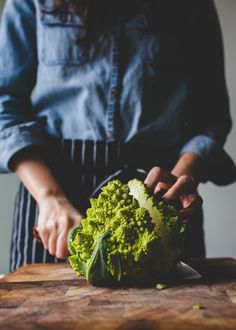 The Vegetable Butcher Shows You How to Break Down Romanesco | Kitchn Romanesco Broccoli, Broccoli Cauliflower, Vegetables Photography, Fruit Photography, Vegetable Recipes, Vegetarian Recipes, Cooking Recipes, Healthy Vegetables, Fruits And Veggies