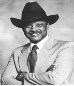 In Jan 1985, Clarence Dickson was the 1st Black police chief of Miami. He resigned in 1988, citing mistreatment by the city commissioners. At the time of his resignation, Dickson was a 29 year veteran on the police force #BlackHistoryYouDidntLearnInSchool #BlackHistory #BlackHistoryEveryMonth #BlackExcellence #BlackHistoryEveryDay #BlackHistoryIsAmericanHistory #BlackHistoryRocks #todayinblackhistory #BlackHistoryIsEveryonesHistory #BlackFact #BlackHistoryIsEveryDay #BlackHistoryMatters
