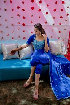 A Pastel Hued Delhi Wedding With A Bride In Self Designed Outfits Mehndi Dress For Bride, Mehndi Outfit, Indian Dresses, Indian Outfits, Western Outfits, Wedding Dresses For Girls, Girls Dresses, Function Dresses, Lehenga Designs
